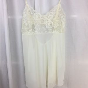 Victoria's Secret  Cream Lace sleep camisole S